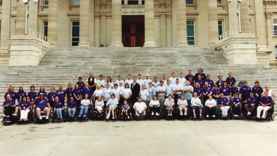 2003 KSYLF participants take group photo on Capital steps.
