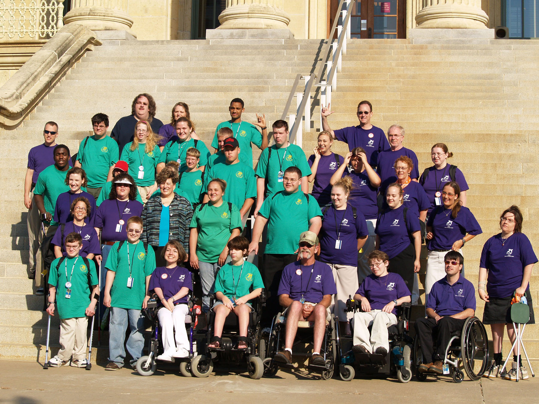 2006 KSYLF participants pose on the Capital steps